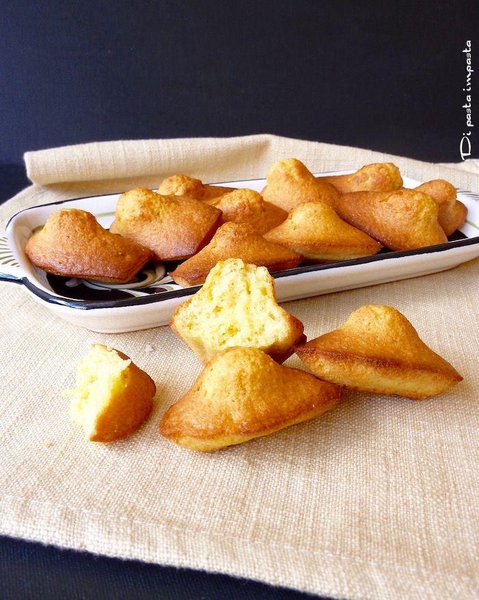 Di pasta impasta: Madeleines alle mandorle (con olio)