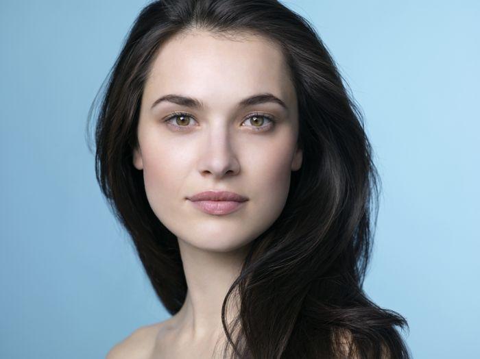 Frau Braune Haare Braune Augen
