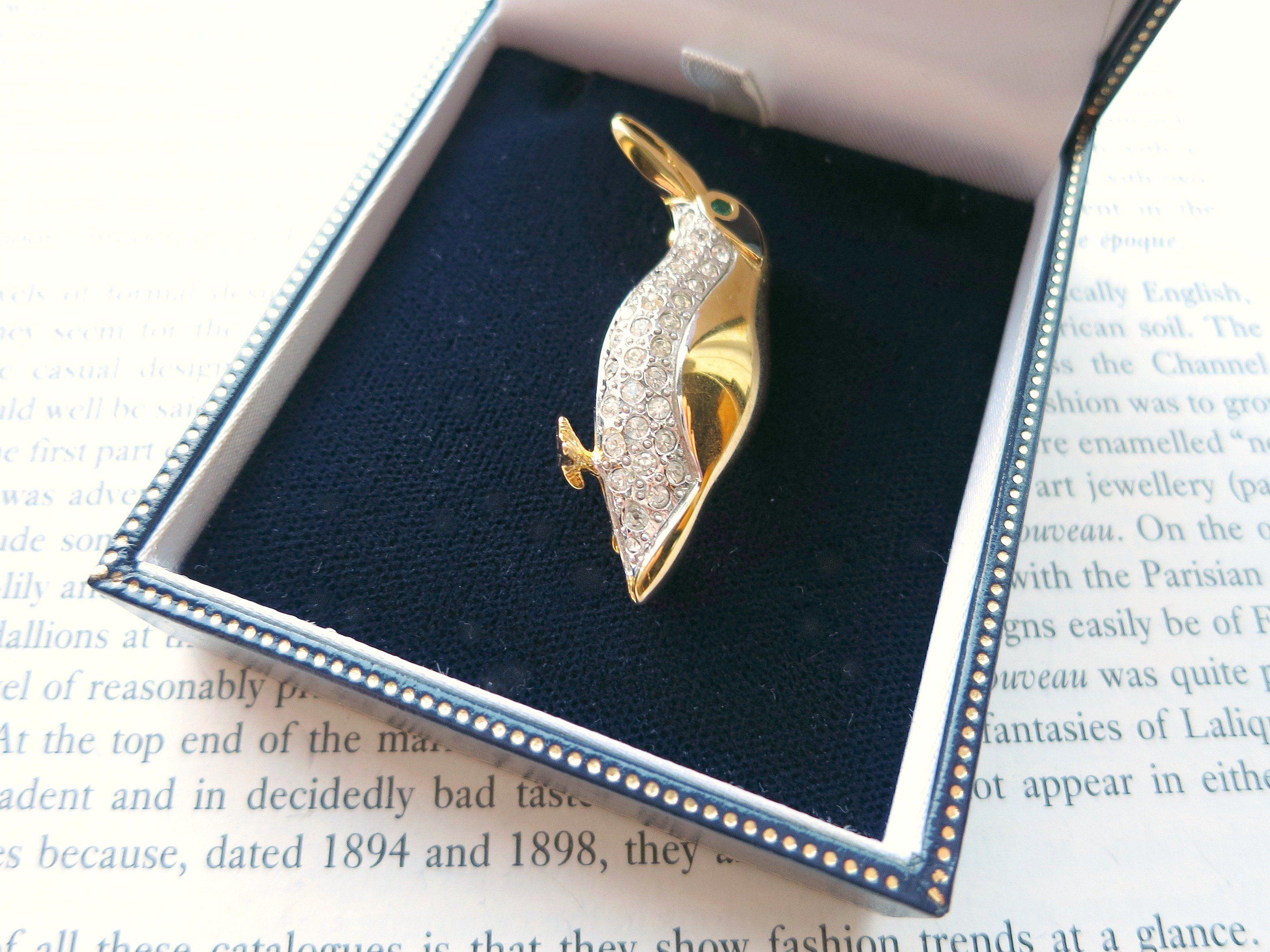 Antique Vintage Costume Jewellery Brooch Gold Blue Diamonte