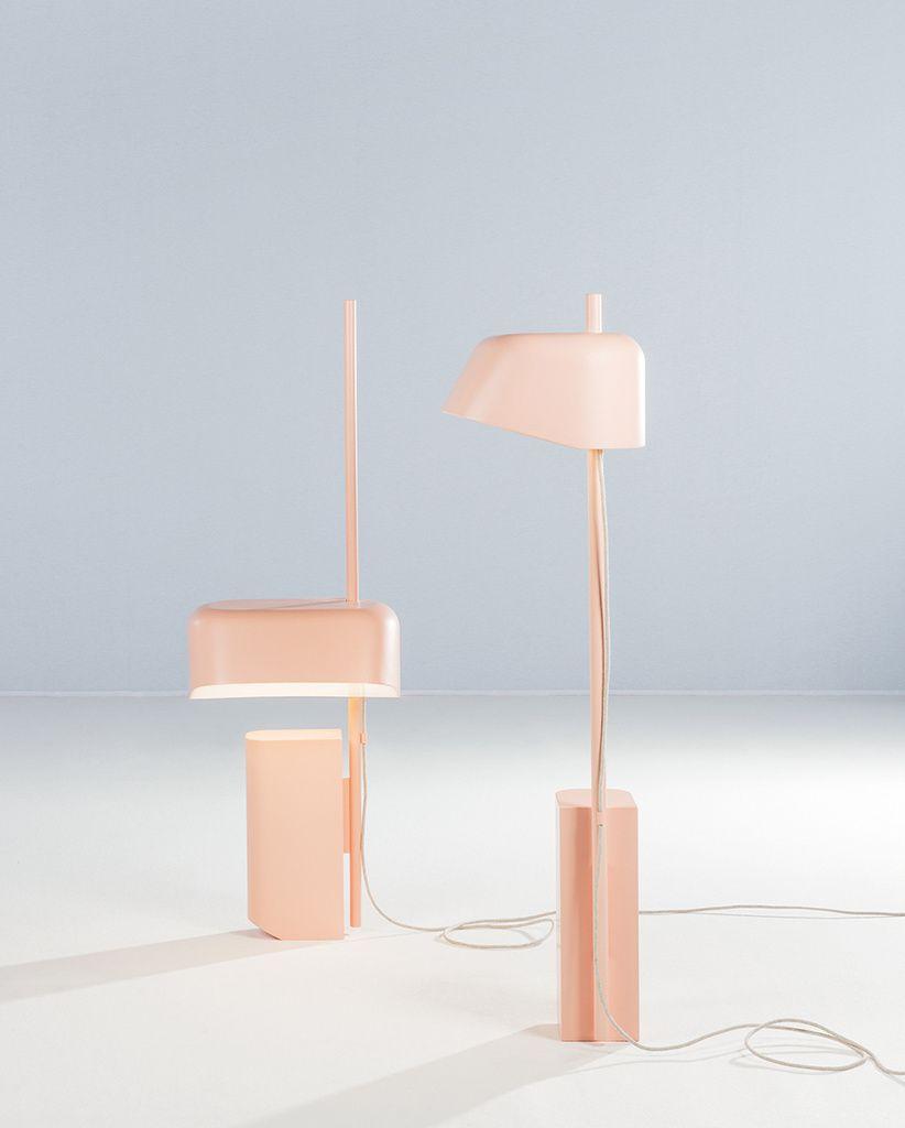 Insulaire Numero111 Speelse Lampjes Van Numero111 Mooi Vormgegeven Een Mooie Pastel Tint En Leuk Omdat Je Het Kapje Objet Design Lampe Rose Lampe Design