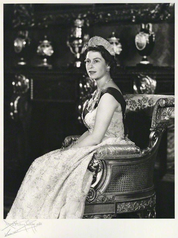Queen Elizabeth Ii 1960 Queen Elizabeth Portrait Elizabeth Ii