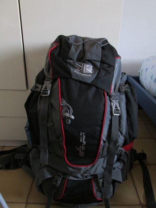 Cosa portare in un #trekking: consigli su cosa mettere nello #zaino per lunghi percorsi in #montagna