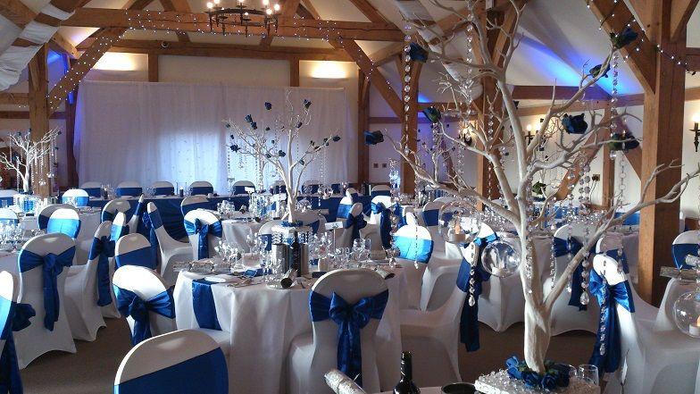 Sandhole Oak Barn Wedding Venue Dressers Venues In