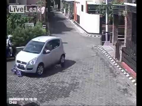 Kid Get Run Over By Car