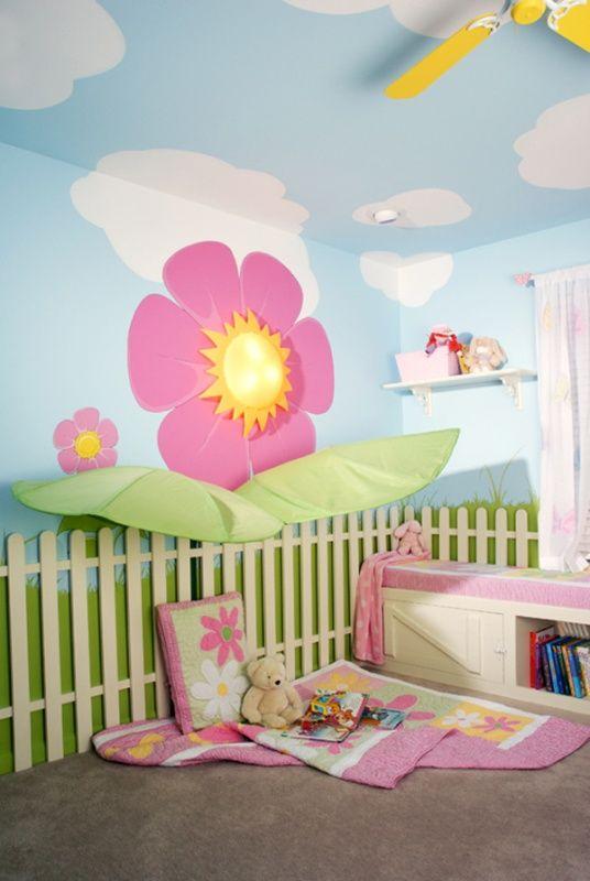 Ungewöhnliche mädchenzimmer ideen wandmalerei lattenzaun blumen ...