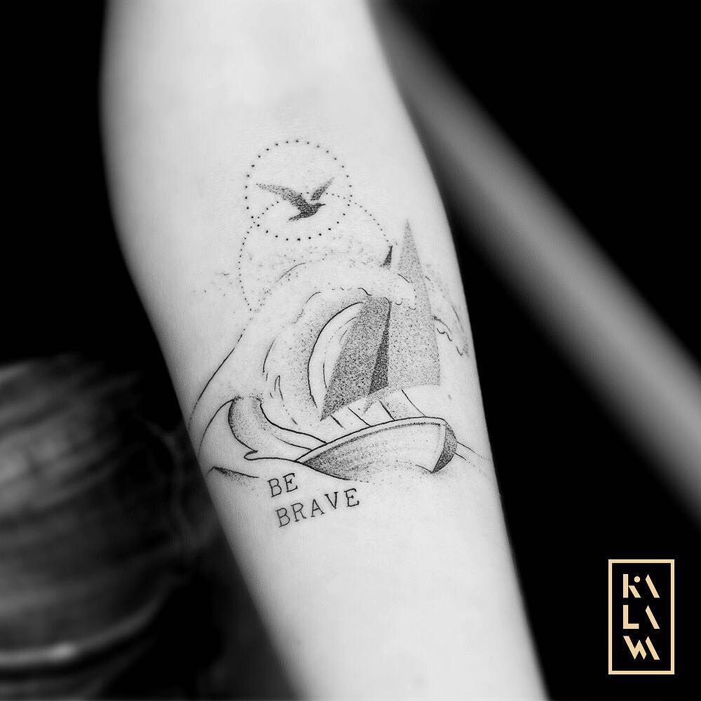 Minimal Boat Tattoo On Wave In Dotwork Tatouage Minimaliste D Un Bateau En Mer By Kalawa Tattooer Tattoo Dotwork Artist Fr Waves Tattoo Boat Tattoo Tattoos