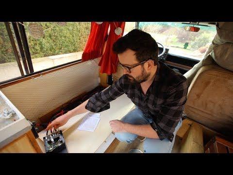 installation lectrique avec panneaux solaires et. Black Bedroom Furniture Sets. Home Design Ideas