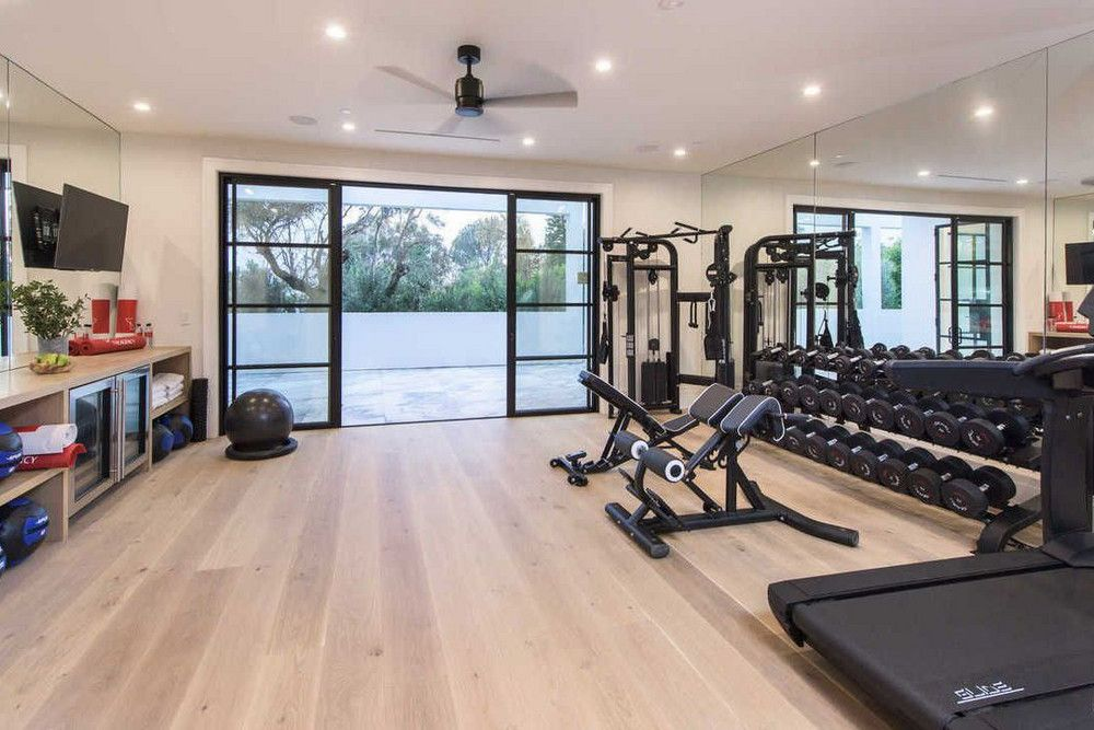 Lebron James New Home Brentwood 2017 La Listing Photos Gym Room At Home Small Home Gyms Home Gym Design