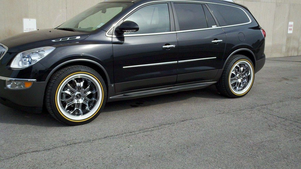 Beautiful Buick Enclave On Vogue Tyres Buick Enclave Bucikenclave Vogues Voguetyre Tyres Luxury Style Class Tire Buick Enclave Bmw
