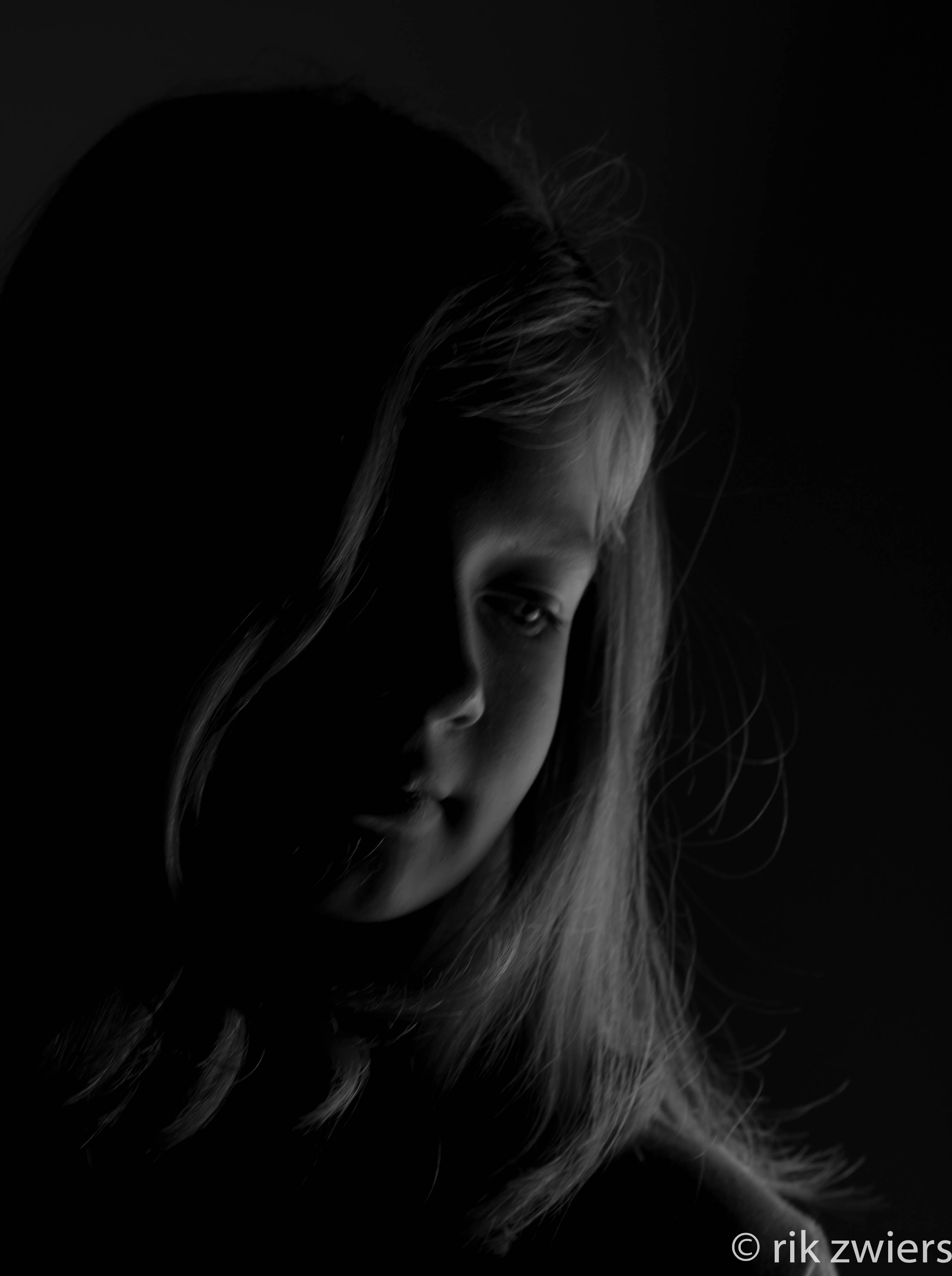 #zwartwit #lowkey #portret van mijn dochter