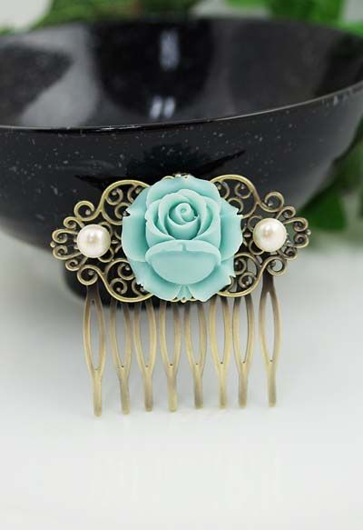 Vintage style rose flower with Pearls Bridal hair comb from EarringsNation