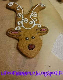 This and more from my blogpost HERE: http://lifeofhannele.blogspot.fi/2015/12/gingerbreadmania.html