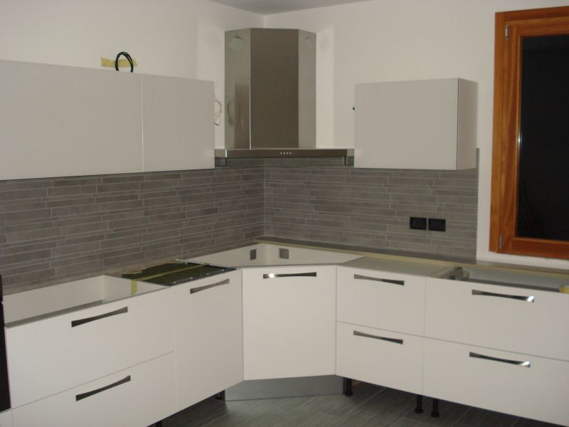 Mattonelle cucina idee per la casa pinterest grigio - Piastrelle per cucina bianca ...
