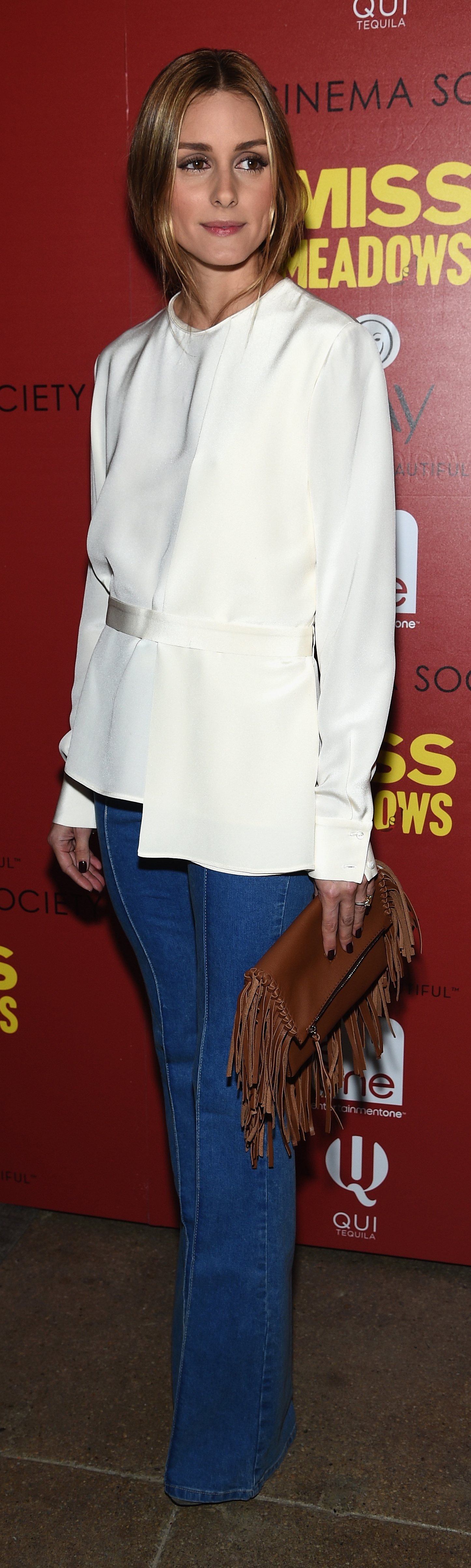 Olivia Palermo shows us two solid ways to dress up our jeans!