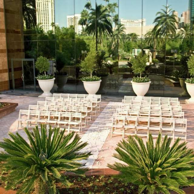 Wedding Planning Mgm Resorts In 2020 Vegas Wedding Las Vegas Weddings Las Vegas Wedding Venue