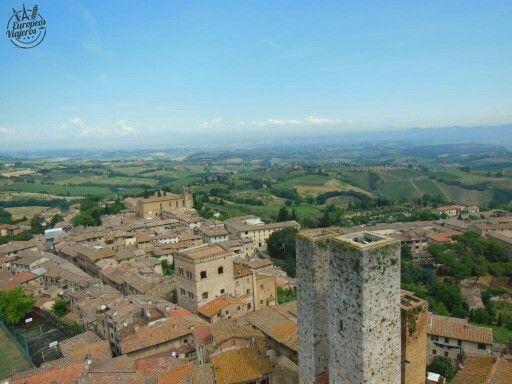 Las torres de San #Gimignano en la #Toscana de #Italia. http://bit.ly/1jpAq4Y