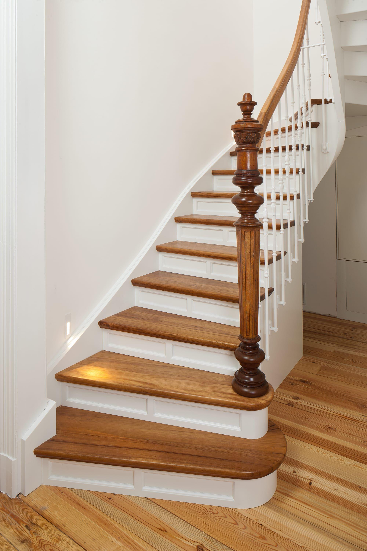 premium-treppen. handgefertigt, exklusiv. die treppe für den