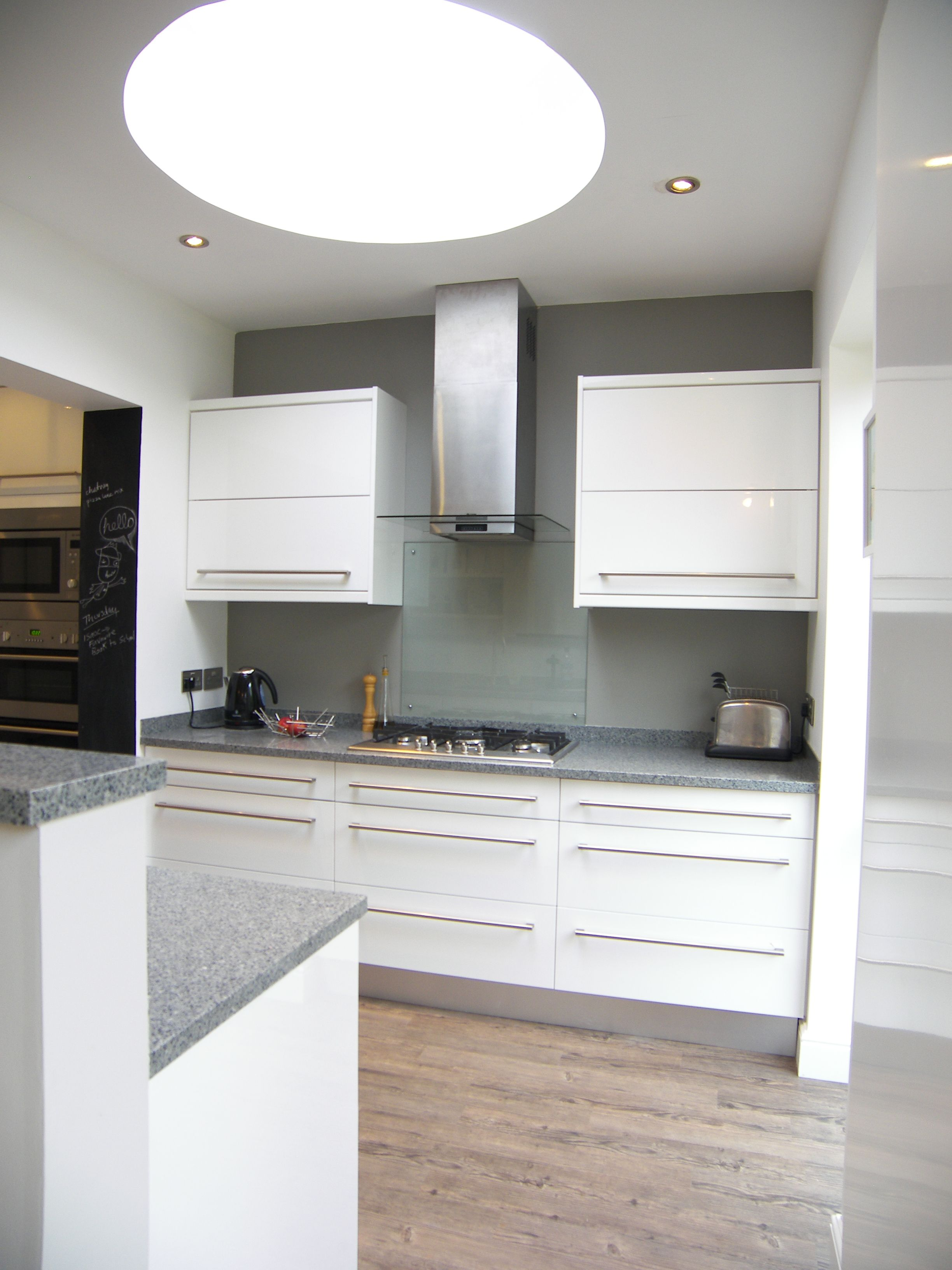 House remodeling in Henleaze- Kitchen island and open plan space by DHV architects.
