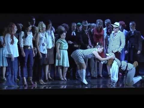 DIE HEXEN VON EASTWICK - A Musical Comedy Buch und Gesangstexte von John Dempsey // Nach dem Roman von John Updike und dem Warner Bros. Film // Musik von Dana Rowe // Deutsch von Roman Hinze // Orchestrierung von William David Brohn