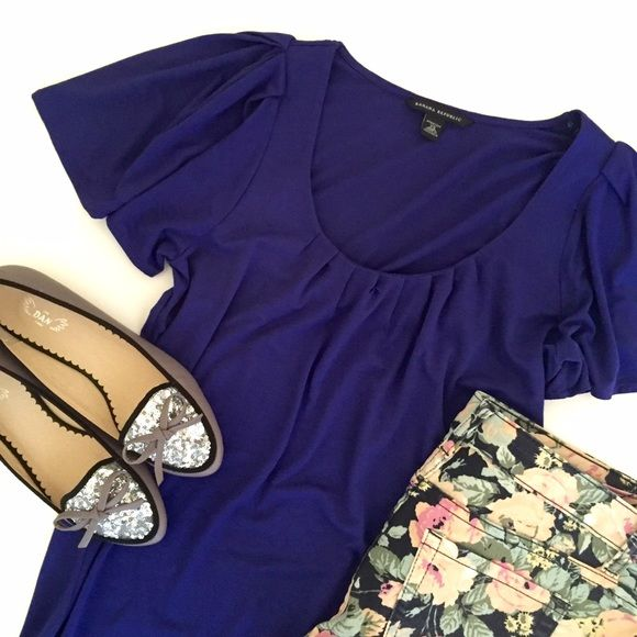 Banana Republic Flutter Sleeve Tee The perfect feminine tee! Dressy yet casual and very comfortable. The flutter sleeves are super cute too. In great condition! Rayon & spandex. Banana Republic Tops Tees - Short Sleeve