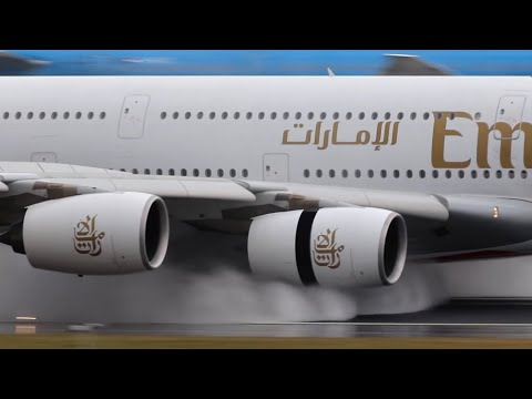 (104) Airbus A380 Reverse Thrust in Action After Landing - YouTube