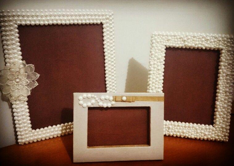 Conjunto de porta retratos com aplicação de meias pérolas, linho e flor tecido...Ateliê D'Ana Pimenta