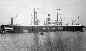 20 april 1923 Het vrachtschip ss 'Triton' (1913) van de KNSM,   http://koopvaardij.blogspot.nl/2015/04/20-april-1923.html