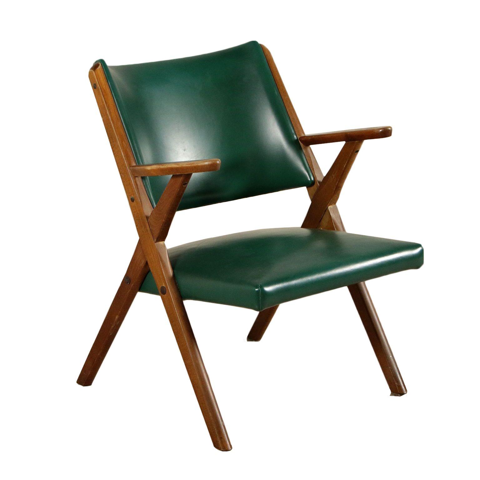 Vintage Et Deco Chaise Avec Accodouirs Hetre Teint Mousse Skai Italie Annees 50 Chaise Avec Accodouirs En Bois De Hetr Chaise Chaise Vintage Chaise Pliante