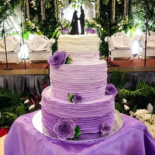 3 tier purple wedding cake indian weddings inspirations purple wedding cake 10239