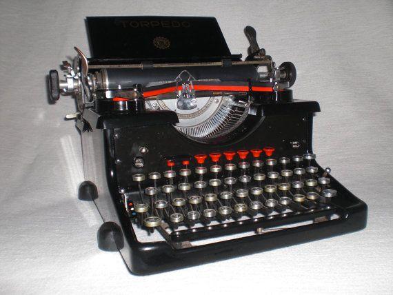 Antike mechanische Schreibmaschine Torpedo 6 von nostalgiehauscom