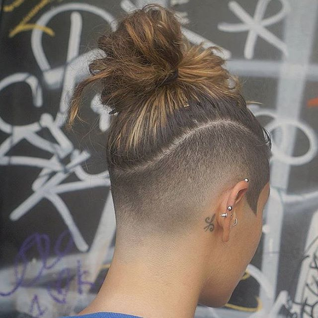 Dreadlocks Undercut Frauen