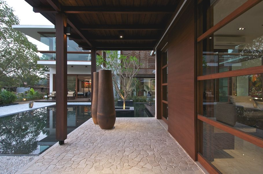 Ahmedabad-based (India) design practice Hiren Patel Architects have completed The Courtyard House project. Completed in 2012, the stunning p...