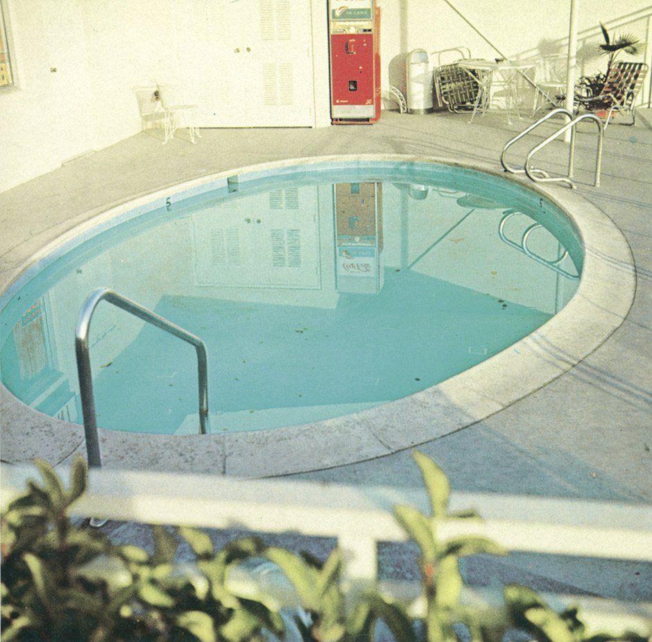 4644: Ruscha Edward: Nine Swimming Pools and a Broken - 2 ...