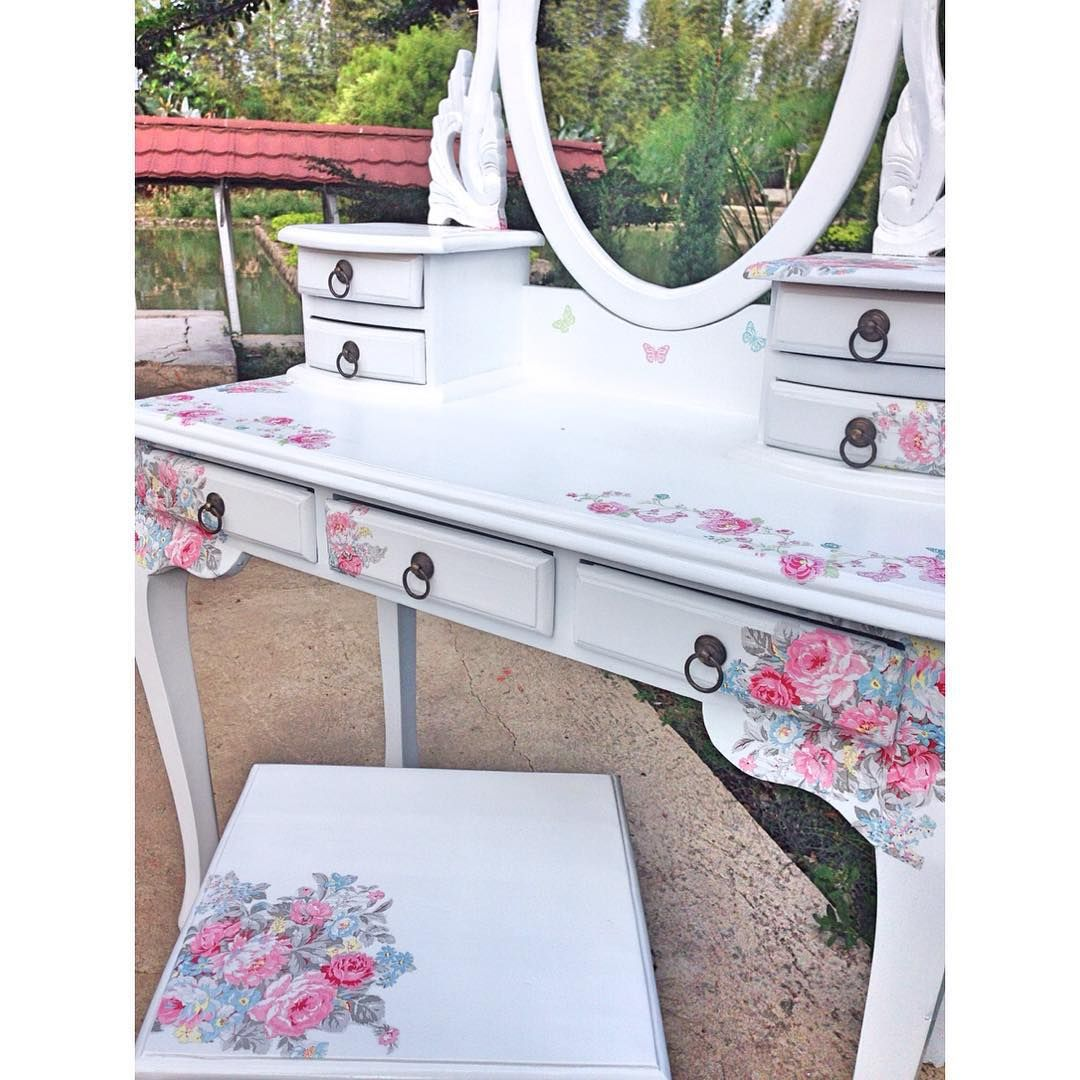 Leatique Shabbychic Decorative On Instagram Dc207 Vera Vintage Make Up Table Dresser Bahan Jati Finishing Decoupage On Duco Shabby Chic Decoupage Decor