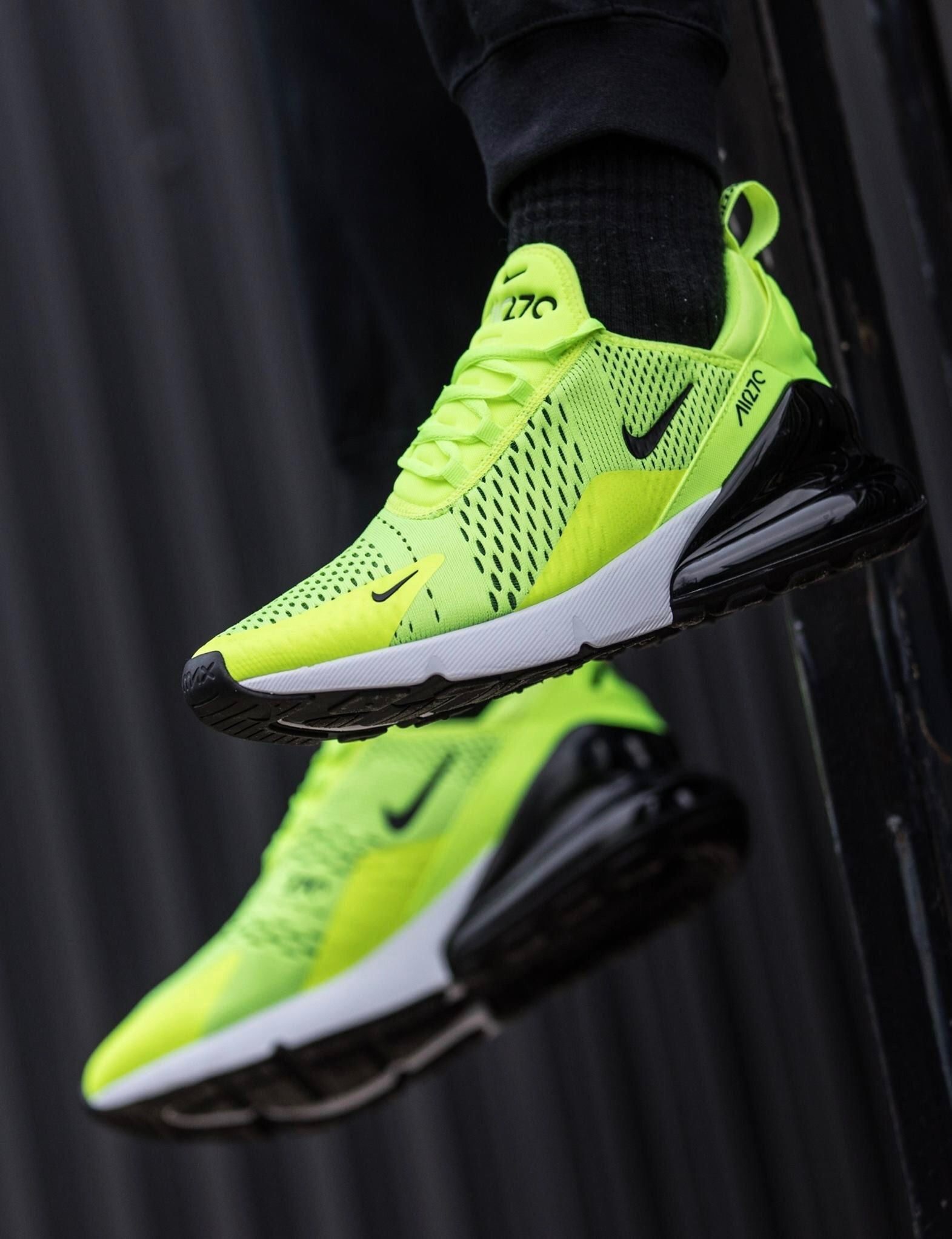 new concept 7c039 93b65 Nike Air Max 270: Volt | Those in 2019 | Sneakers nike ...