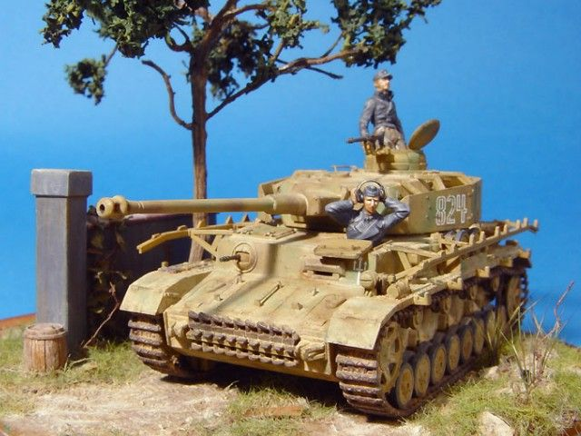1/72 Pzkpfw-IV Ausf.J by Revell (With images) | Military diorama. Military. Diorama