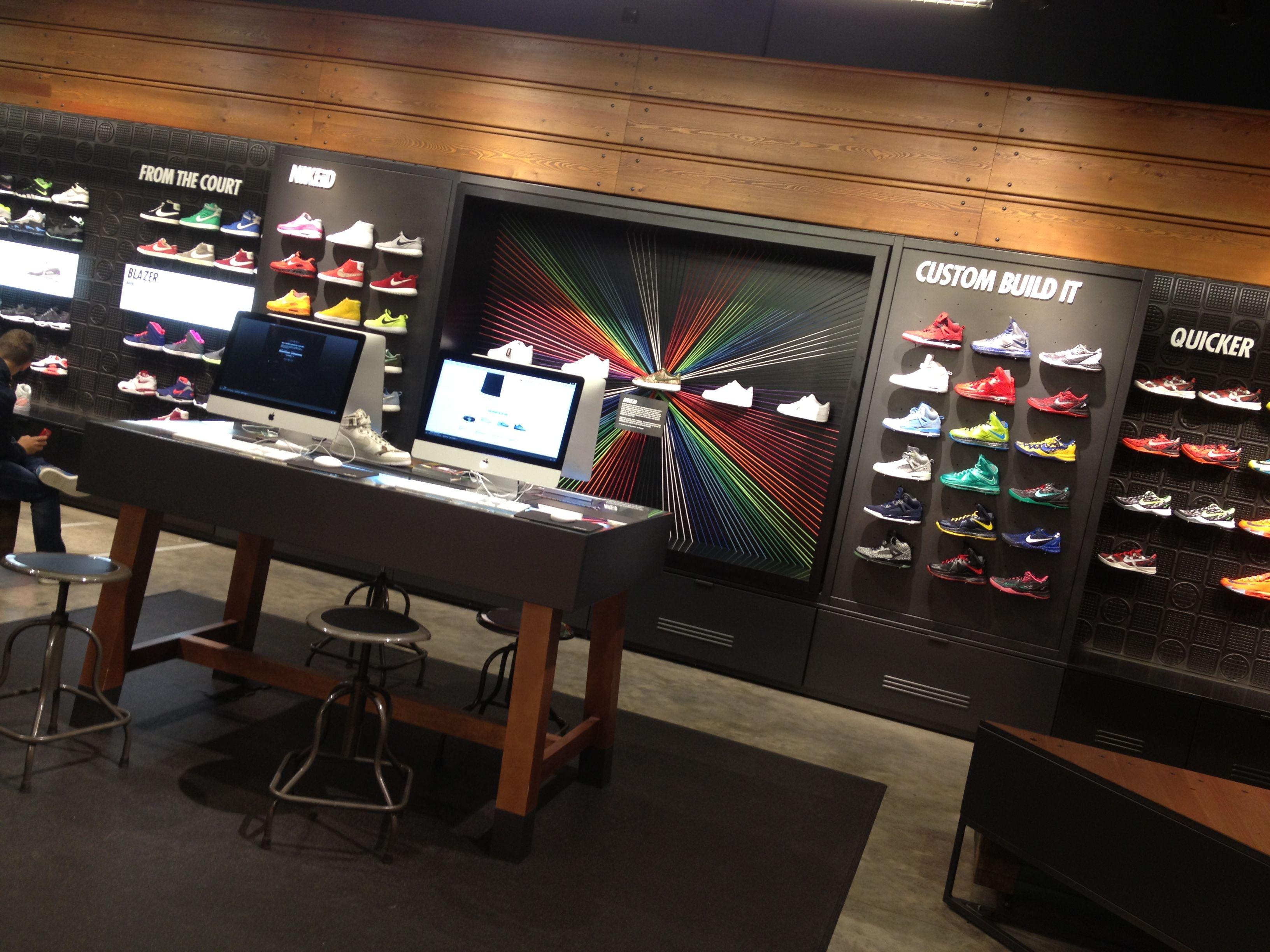 7fd7bb7b6d1716 Boutique De Chaussures, Canaux, Conception Des Magasins, Intérieurs De  Boutique, Design De
