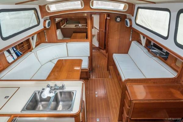 1985 Islander Freeport 38 Price Reduced Bring All Offers 59900 San Diego Ca Boat Stuff Boats For Sale Boat