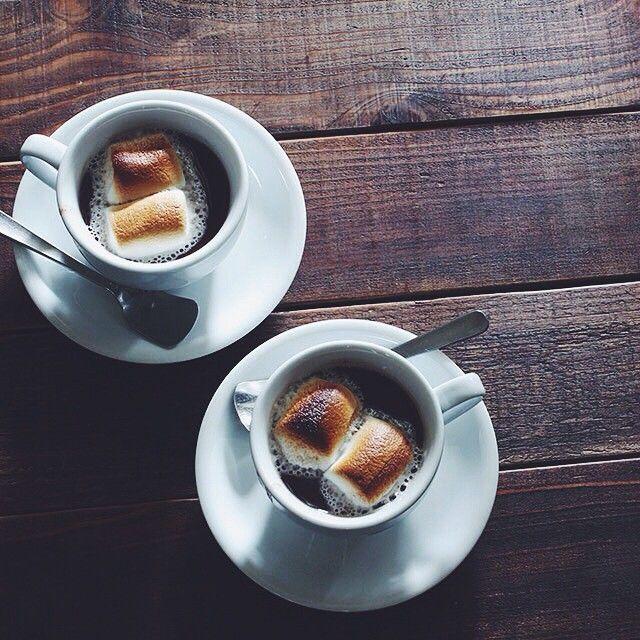 お汁粉に焼きマシュマロ。カップの底には柔らかく煮た餅を入れてます。カップにお汁粉と餅を... | Use Instagram online! Websta is the Best Instagram Web Viewer!