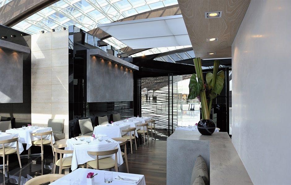 Contemporary Il Cafe Armani Bars