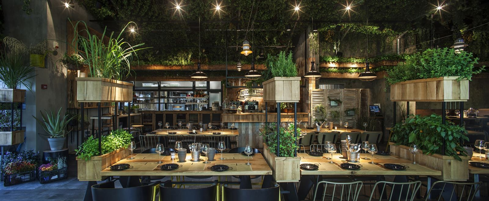 A Natural Restaurant Interior Design Adorable Home Restaurant Interior Restaurant Interior Design Restaurant Design