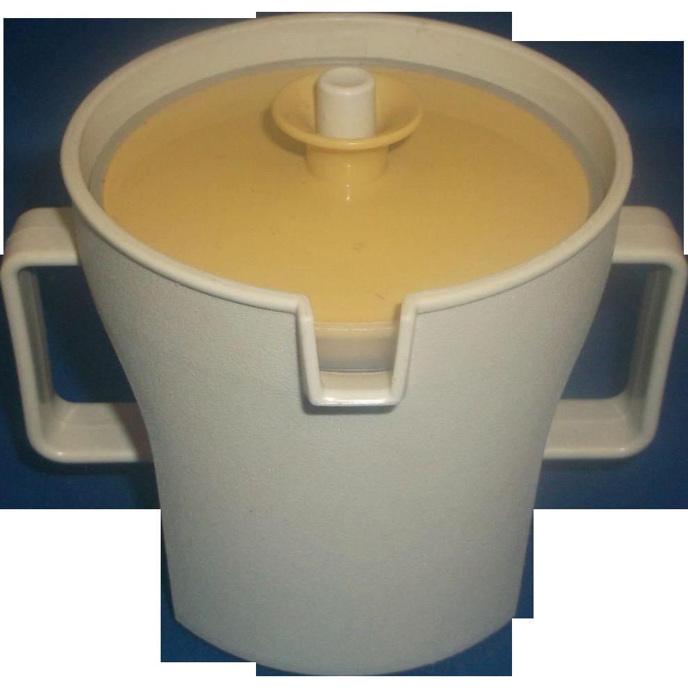Sugar bowls with lids - Tupperware Gold And Tan Push Button Lid Sugar Bowl