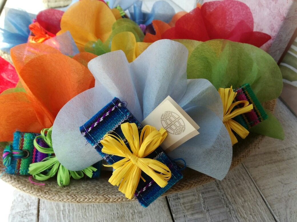 Segnalibro #bombonieresolidali, create dalle abili mani di artigiani ...