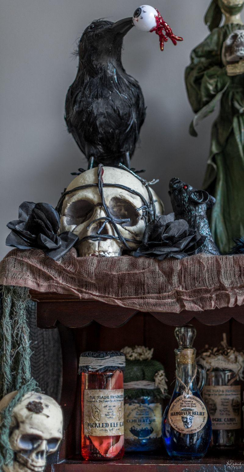 Halloween Apothecary Jars {and Free Printable Labels} DIY - halloween diy decor