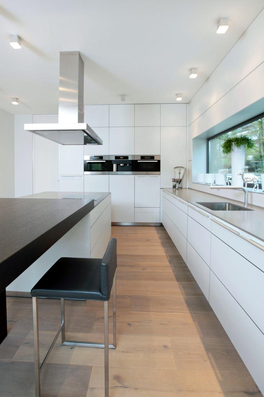 Esstisch als Kontrast zur Küche | Kitchens | Pinterest | Kitchens ...