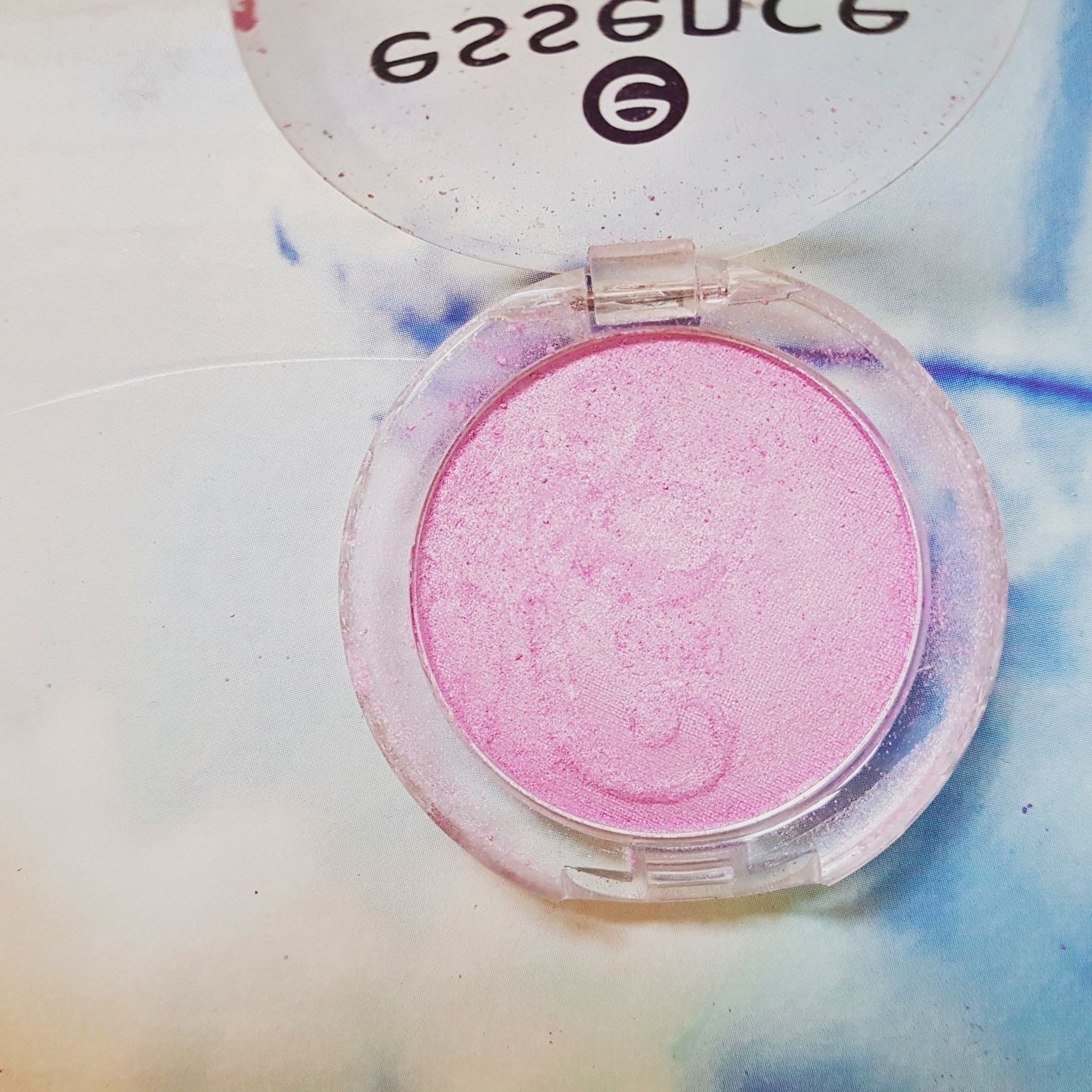 Essence eyeshadow Nummer 16 Go Glam