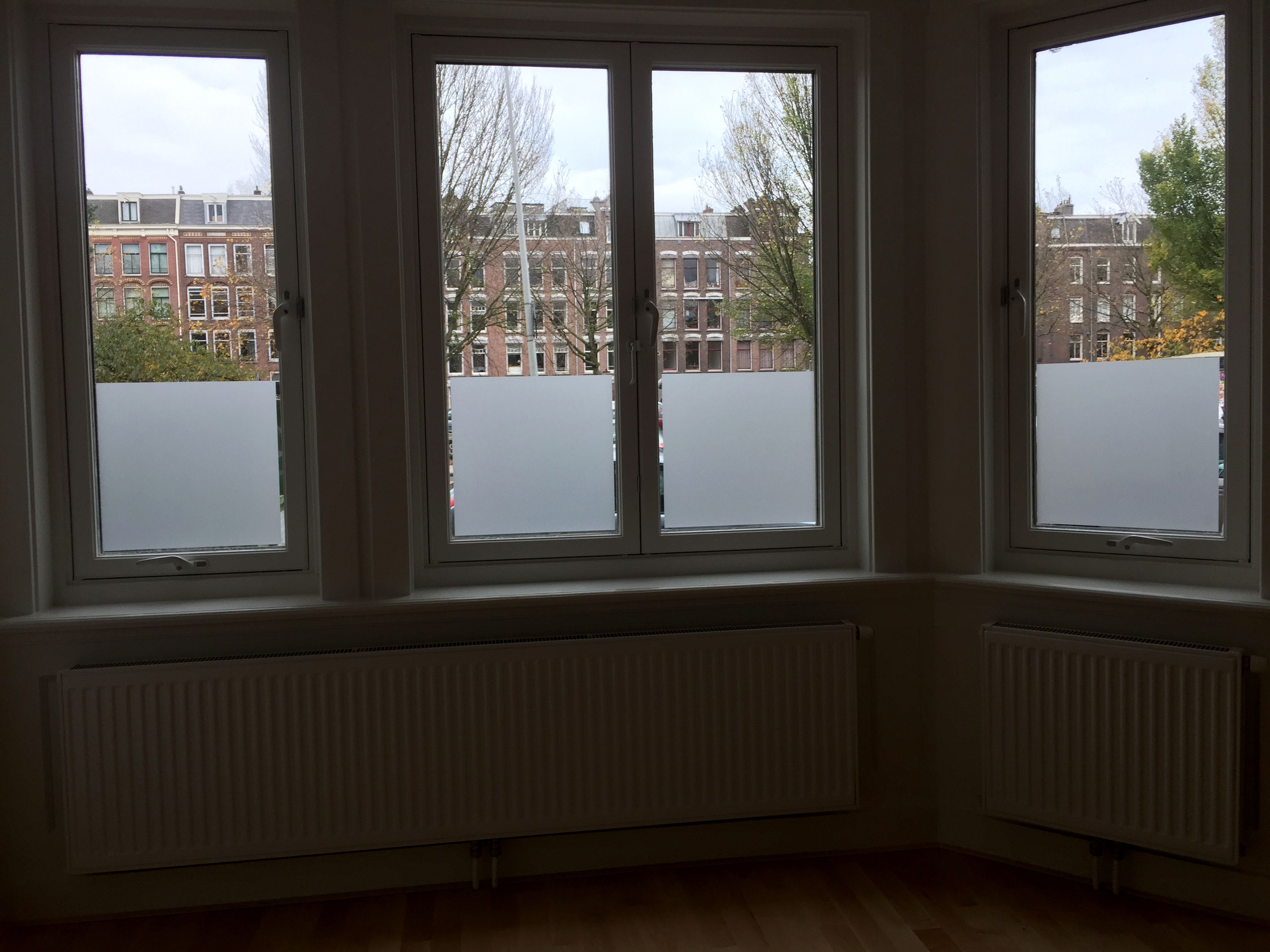 Uitgelezene Raamdecoratie Amsterdam tegen inkijk in de woonkamer AJ-42