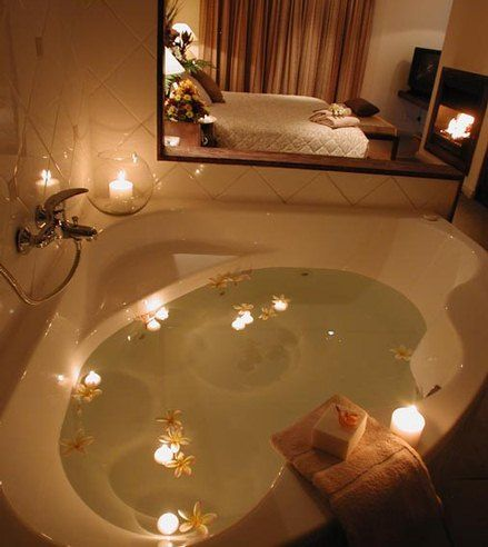 The Caledon Hotel Honeymoon Suite Tie the knot Pinterest - Hotel Avec Jacuzzi Dans La Chambre
