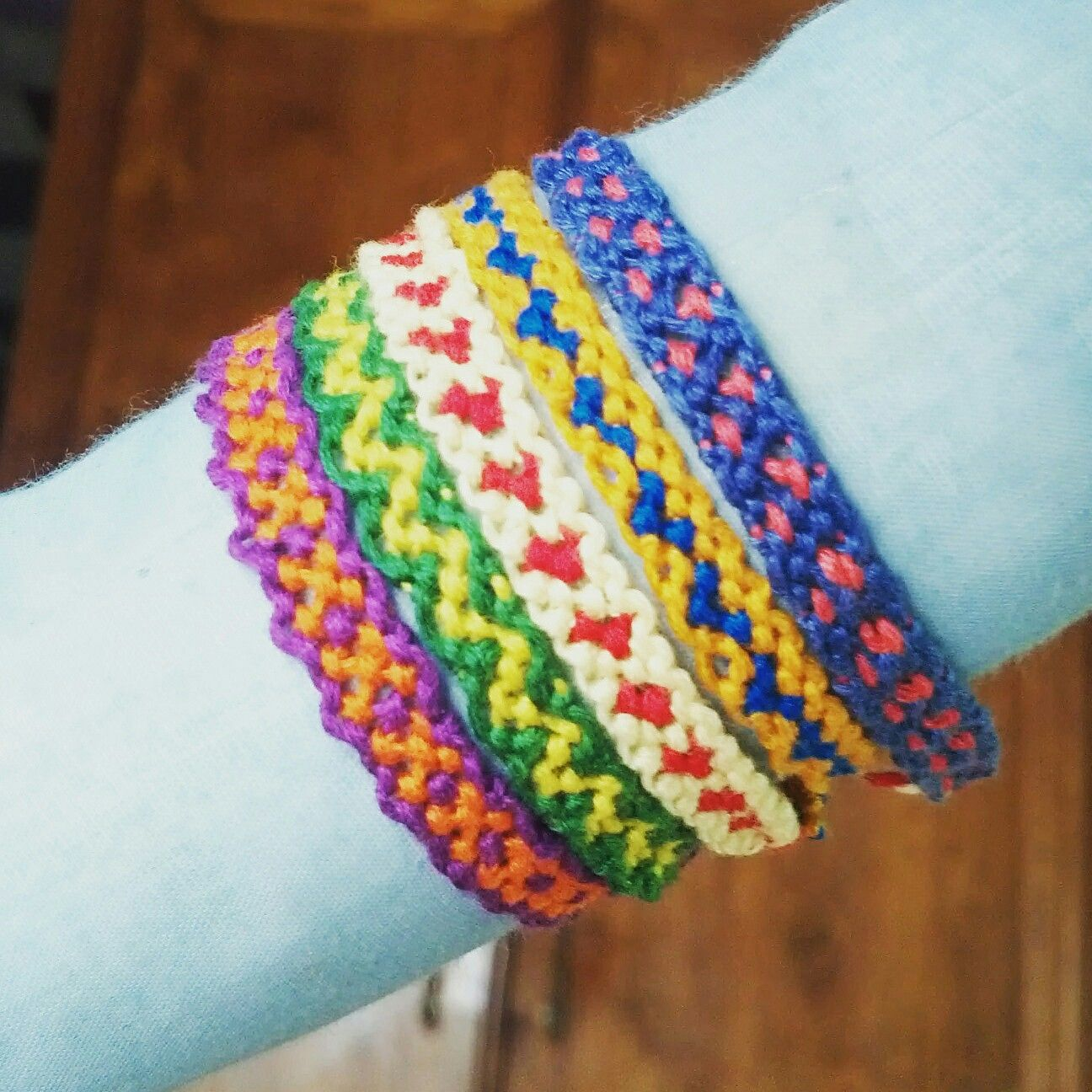 Friendship Knots