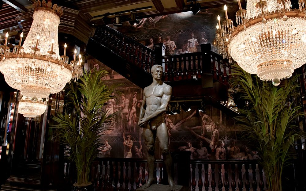 Abercrombie and Fitch Store Interiors Hong Kong | Store ...
